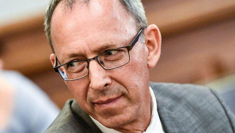 """Sachsens AfD-Chef Jörg Urban: Eine Solaranlage """"aufs Dach gebaut"""""""
