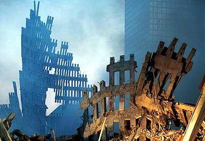 "Ruine des World Trade Center (am 13. September 2001): Ein ""inside job"", behauptet Dozent Barrett"