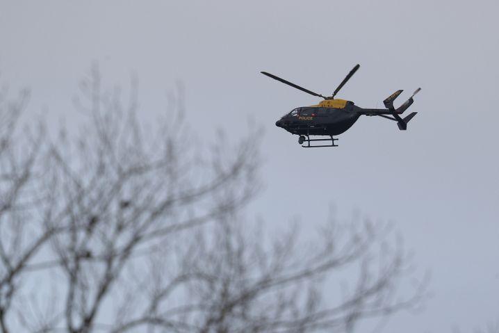 Helikopter auf Drohnenjagd über Gatwick (Archivfoto)