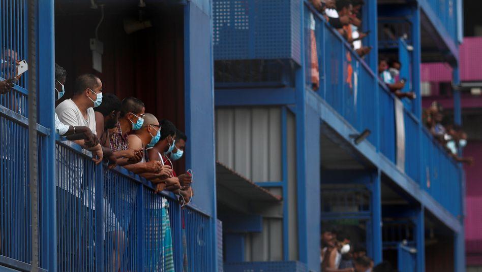 Infektionsherd: Wanderarbeiter im Singapurer Wohnheim S-11