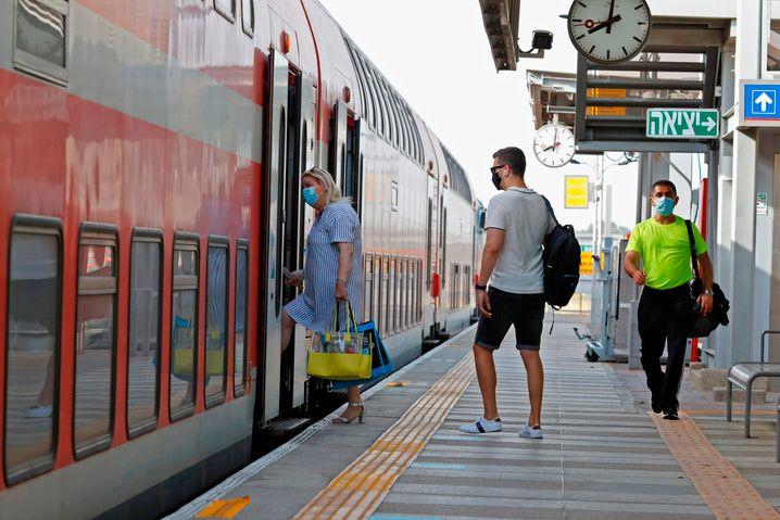 Bahnhof in der Küstenstadt Netanya: Bahnverkehr wieder aufgenommen