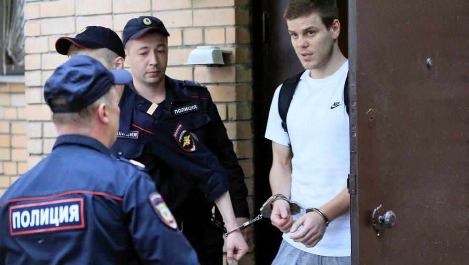 Alexander Kokorin (r.) muss in Haft