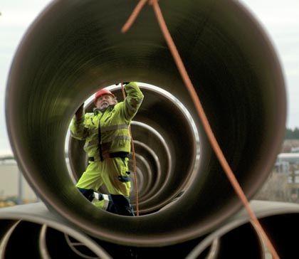 Rohre für die Ostsee-Pipeline: Fließt bald giftige Brühe ins Meer?