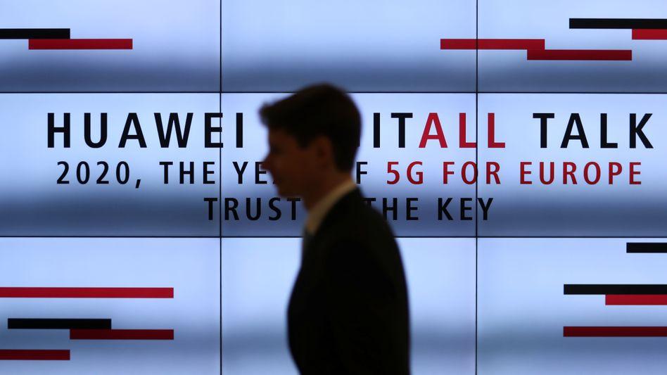 Konferenz zum Thema 5G bei Huawei: Seehofer will den chinesischen Konzern am Netzaufbau beteiligen
