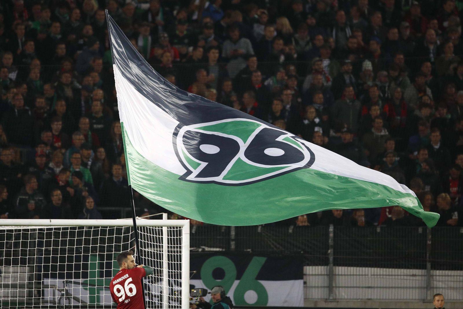 EINMALIGE VERWENDUNG Hannover 96/ Fans/ Flagge/ Fahne