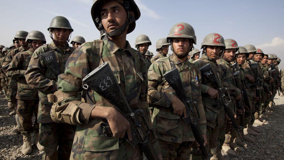 Soldaten der afghanischen Armee: Ab 2014 sollen sie ihr Land alleine sichern