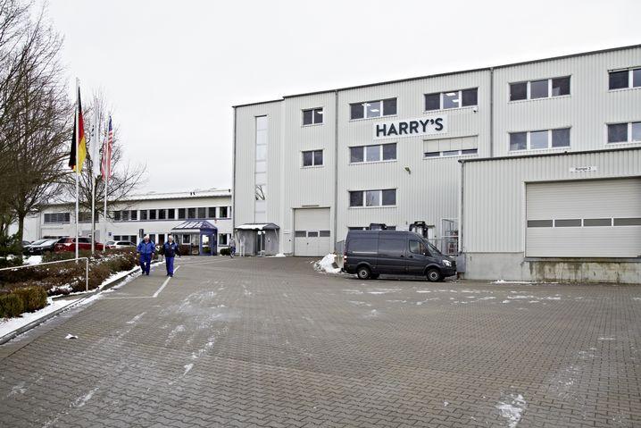 Harry's-Zentrale in Eisfeld: Seit 2014 weht hier auch die US-Flagge