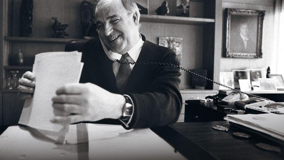 Regierungschef Kohl 1983 im Bonner Kanzleramt