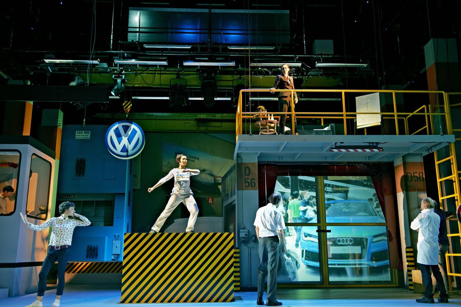 EINMALIGE VERWENDUNG Tageskarte 13.10.14/ Theater/ Volksrepublik Volkswagen