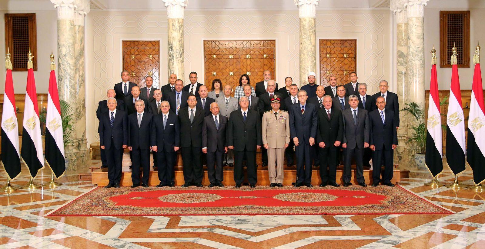 Ägypten neu vereidigte Übergangsregierung