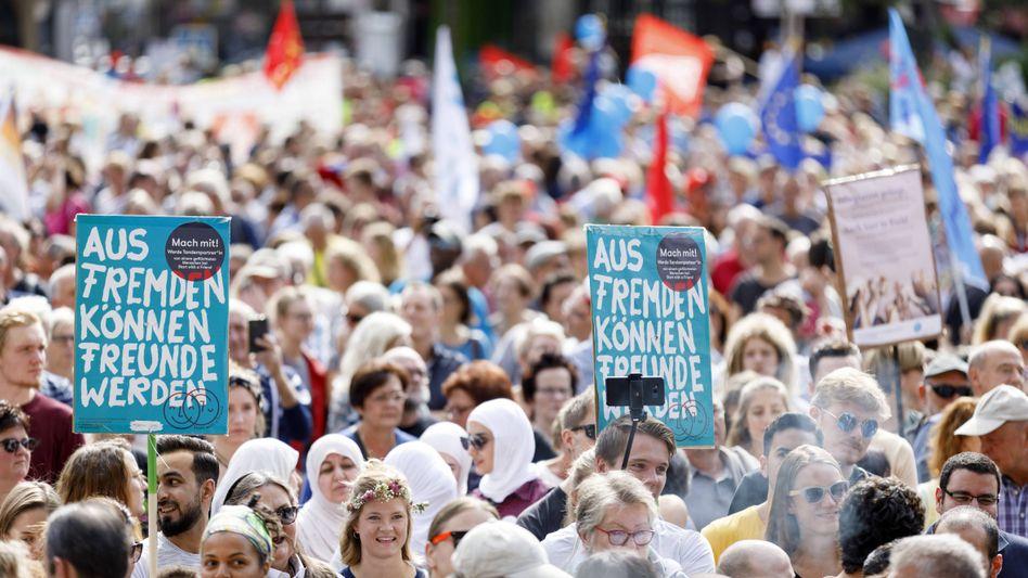 Demonstranten gegen Rechts in Köln