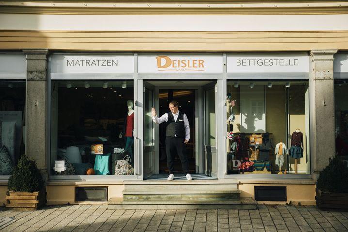 Sieben Mitarbeiter hat der Betrieb Textil & Betten Deisler