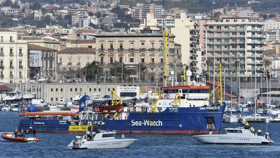 """""""Sea-Watch 3"""" im sizilianischen Hafen von Catania"""