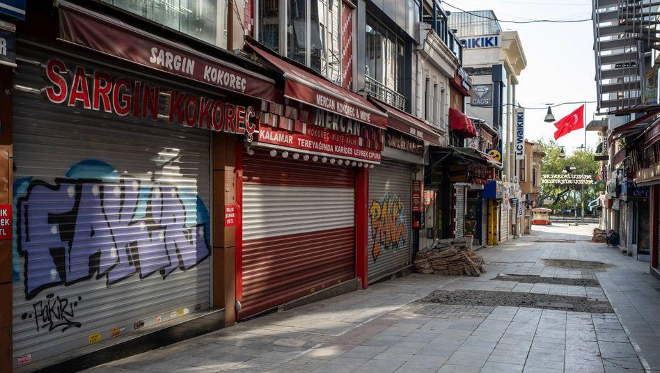 Leere Straßen, geschlossene Geschäfte: Mit einem Lockdown will die Türkei die Pandemie eindämmen