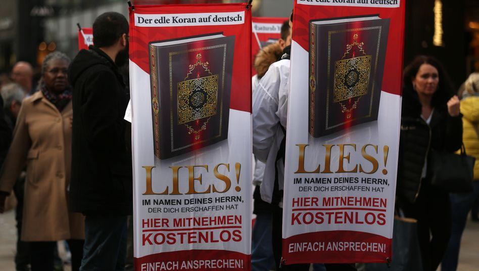 """""""Lies!""""-Aktivisten in Dortmund"""
