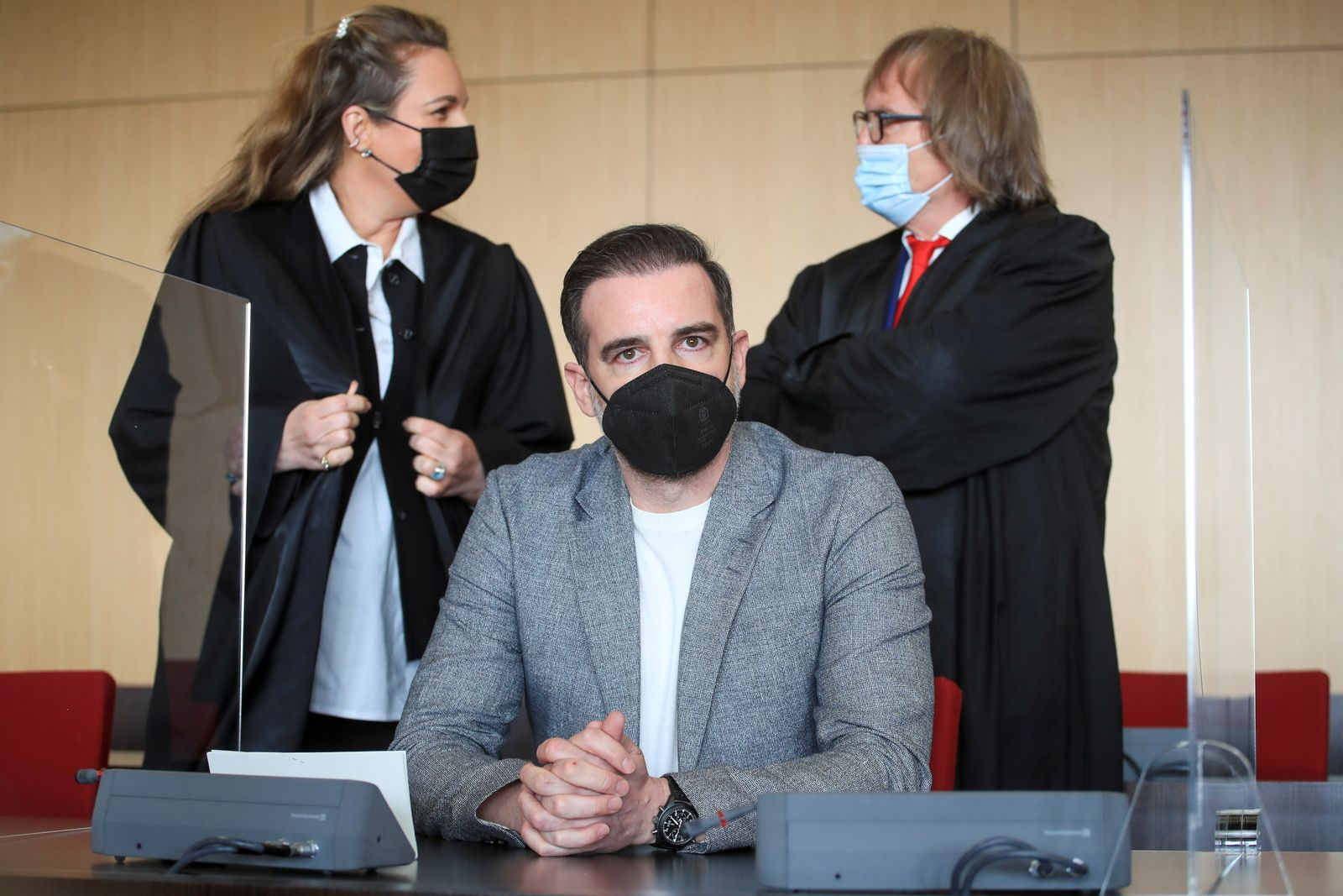 Trial against former soccer player Metzelder in Duessledorf