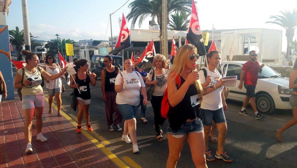 Streikende Zimmermädchen auf Ibiza