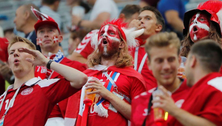 Dänemark-Fans bei der Archiv