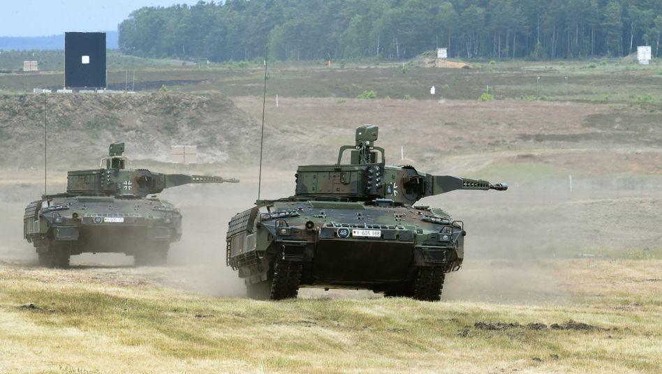 Puma-Schützenpanzer bei Erprobungsfahrt (Archivbild)