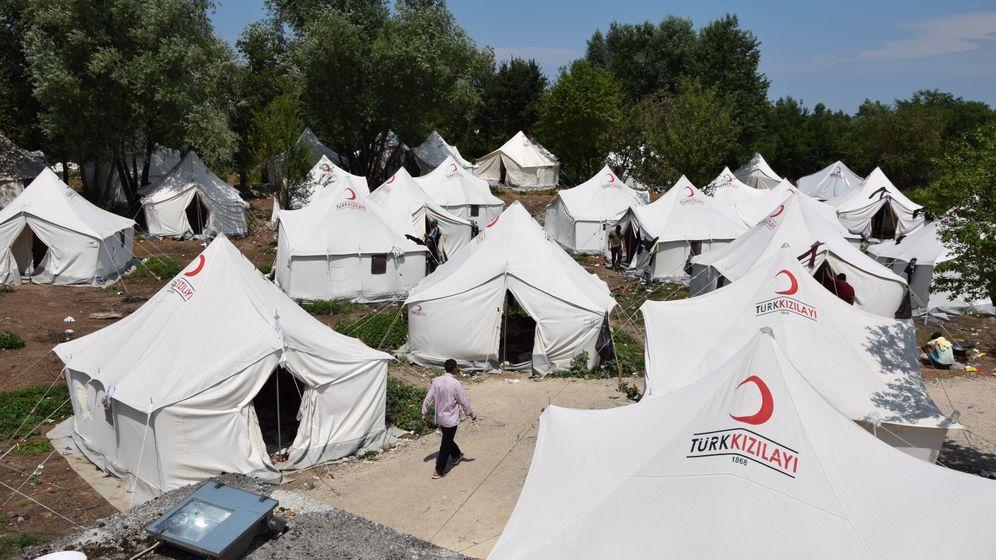 """Flüchtlingslager Vucjak: Hoffnung auf das nächste """"Game"""""""