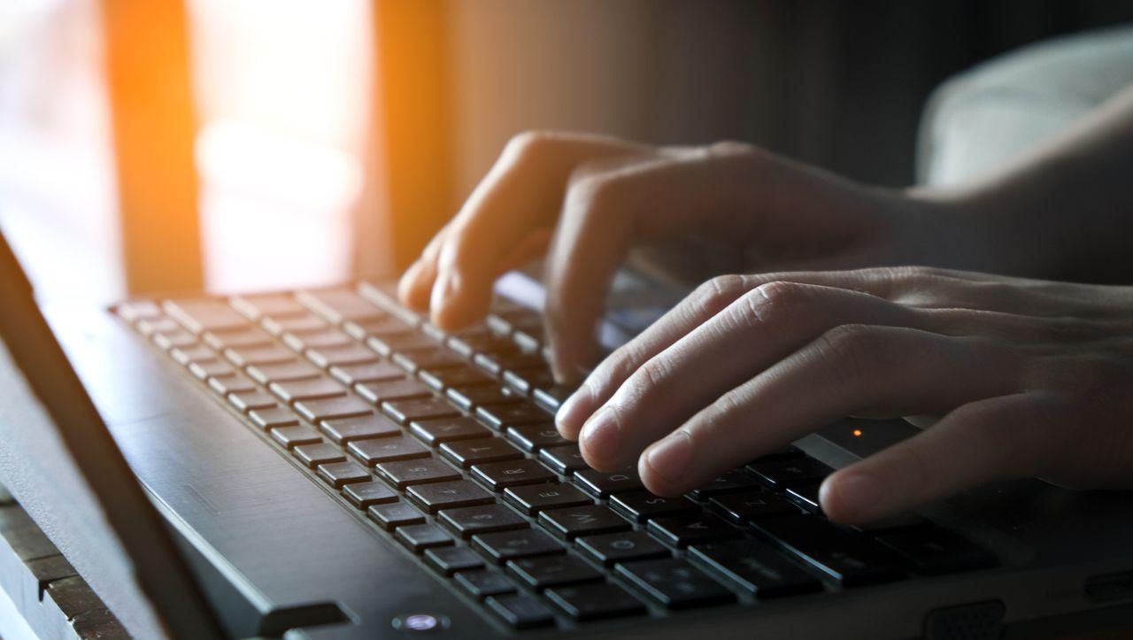 Schwachstellen bei Mailservern: Massive Welle von Hackerangriffen gefährdet deutsche Behörden - DER SPIEGEL
