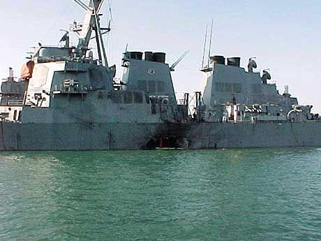 """Die """"USS Cole"""" nach dem Anschlag"""