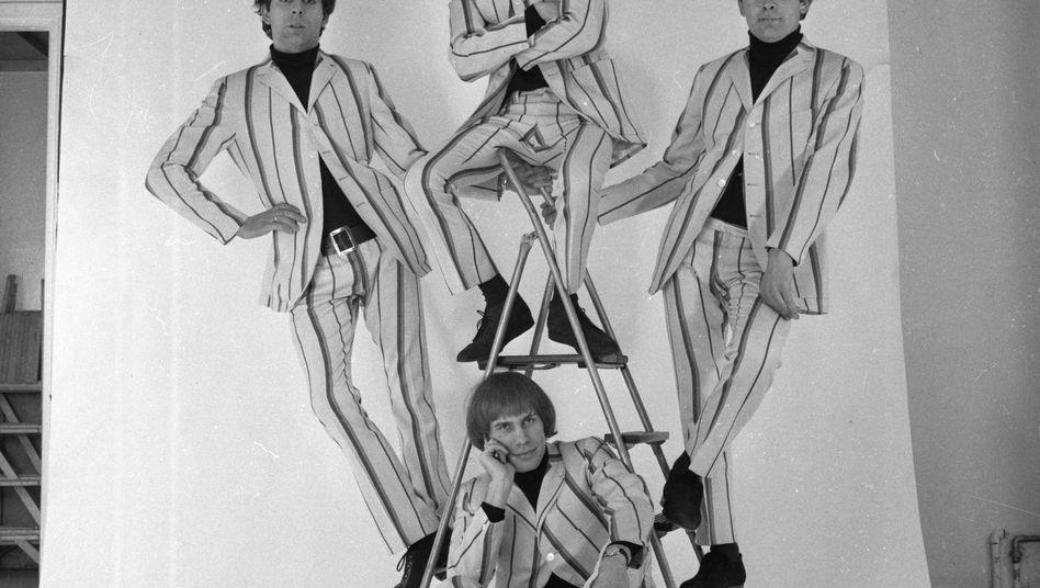 Reg Presley (r.) von den Troggs auf einem Foto von 1966: Trauer um den toten Sänger