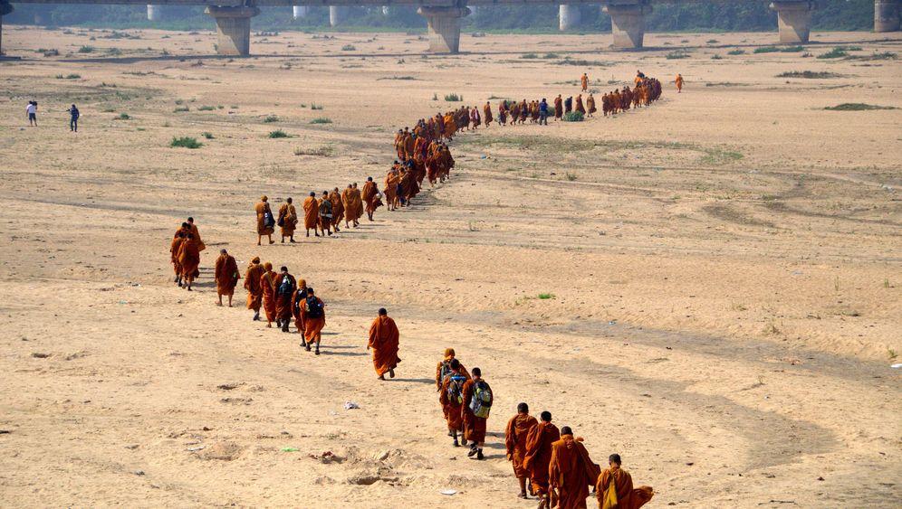 1500 Kilometer durch Indien: Ein Deutscher unter 220 Mönchen