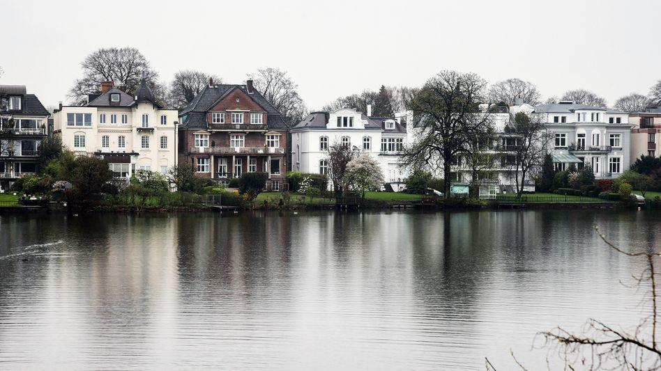 Villen an Außenalster in Hamburg