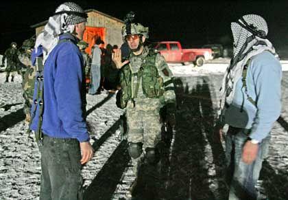 """US-Soldaten üben mit Dorfbewohnern: """"So nah an der Realität wie möglich"""""""
