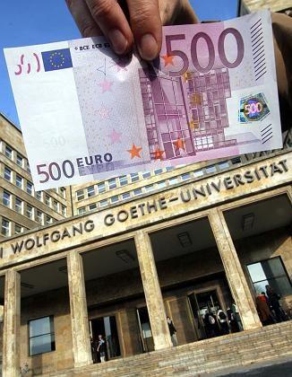 Eintritt für die Uni: Künftige Gebührenhöhe ungewiss