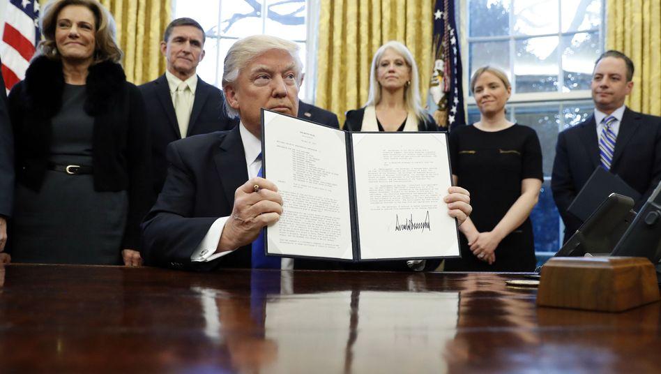 Donald Trump mit Anti-IS-Memorandum