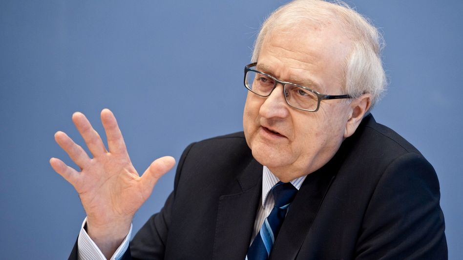 """German Economy Minister Rainer Brüderle: """"All Germans have an interest in keeping the euro."""""""