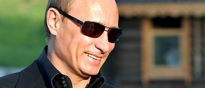 Präsident Putin (außerhalb von Samara): Kritiker festgenommen