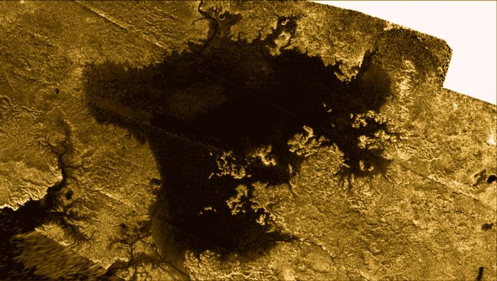 Wellen auf Titan: Nordmeer aus Methan erwacht zum Sommer