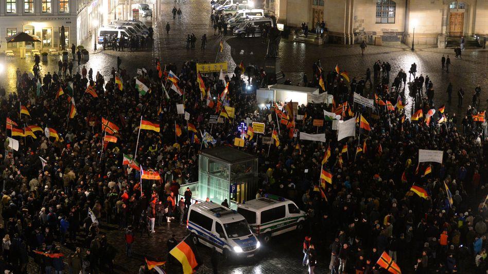 Islamgegner in Dresden: Pegida hat Bachmann wieder