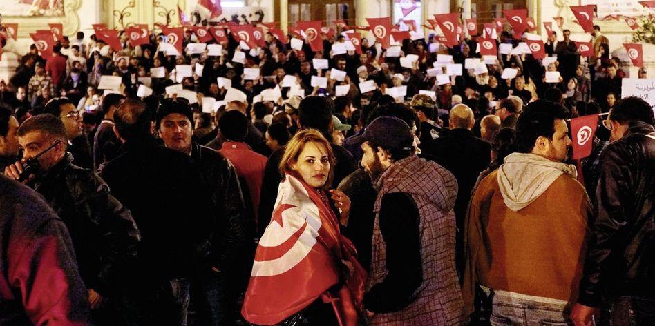 Trauerkundgebung am Mittwoch in Tunis: Kann dieser Anschlag das Land einen?