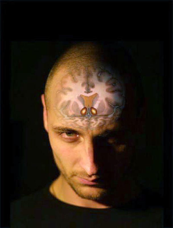 EINMALIGE VERWENDUNG Gehirn / Psychopath