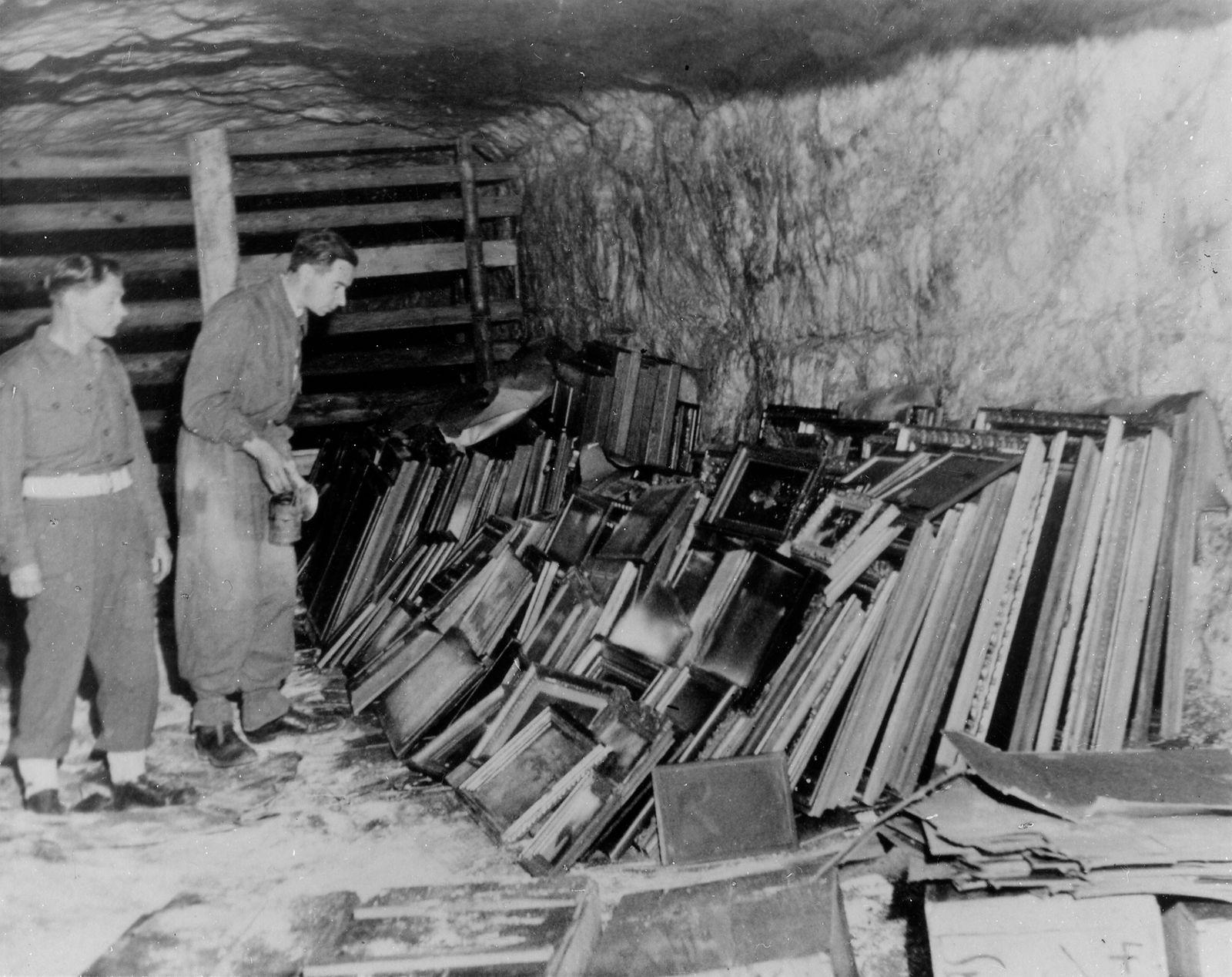 Zustand der Saline in Grasleben nach dem Brand im August 1945