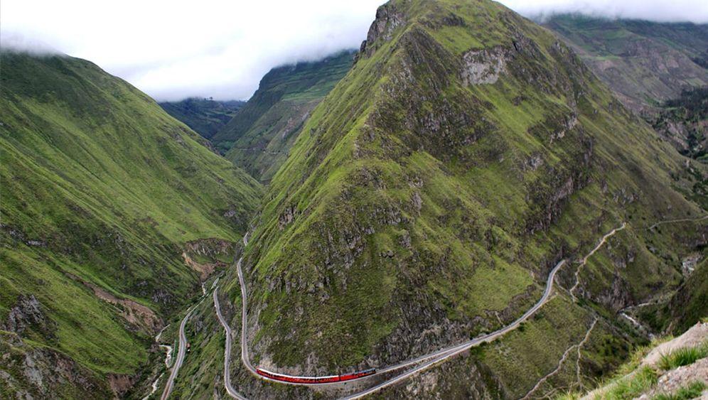 Zugfahren in Ecuador: Zickzack an der Teufelsnase