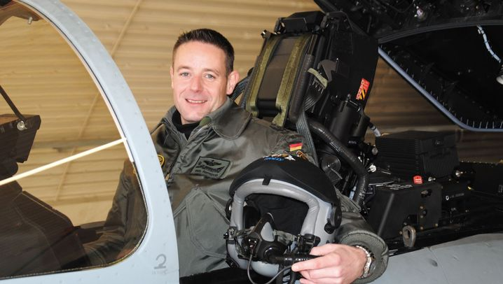 """Von Beruf Jetpilot: """"Da oben hat man ein Gefühl von Freiheit"""""""