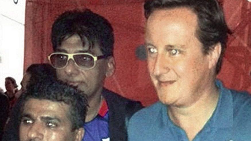 Beschuldigter Gohir (hinten), Premier Cameron Von Dubai aus das Karussell gesteuert