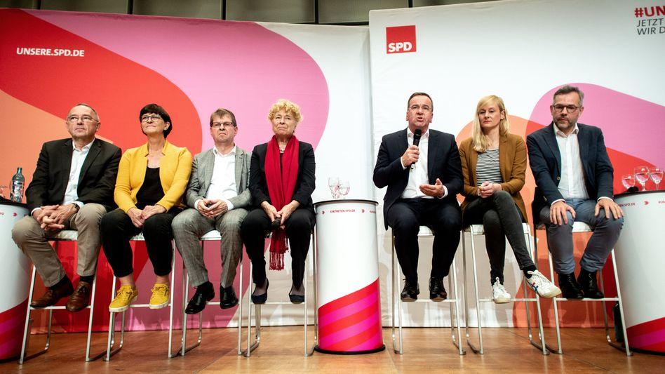 SPD-Kandidaten bei Regionalkonferenz in Oldenburg: Hat die Partei genug erreicht, um in der GroKo zu bleiben?