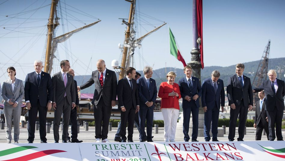 Die teilnehmenden Staats- und Regierungschefs in Triest