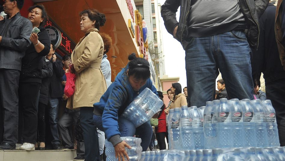 Hamsterkäufe in Lanzhou: Kampf gegen verseuchtes Trinkwasser