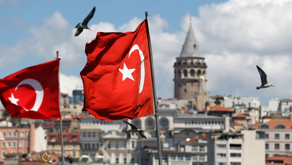 Türkische Flaggen in Istanbul