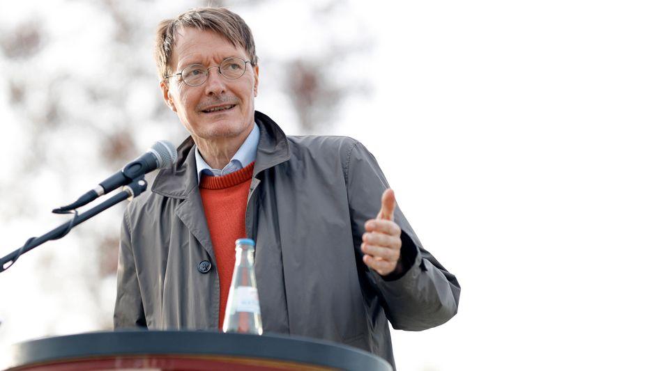 Daumen hoch für die Legalisierung: SPD-Gesundheitsexperte Karl Lauterbach