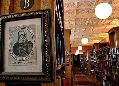 Die Bibliothek von King's College beherbergt den Nachlass von Sir Isaac Newton, gesammelt von dem Apostel-Mitglied John M. Keynes