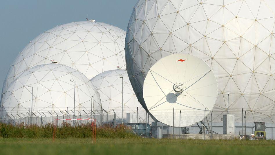 Radarkuppeln in Bad Aibling: Auch Paris wurde beobachtet