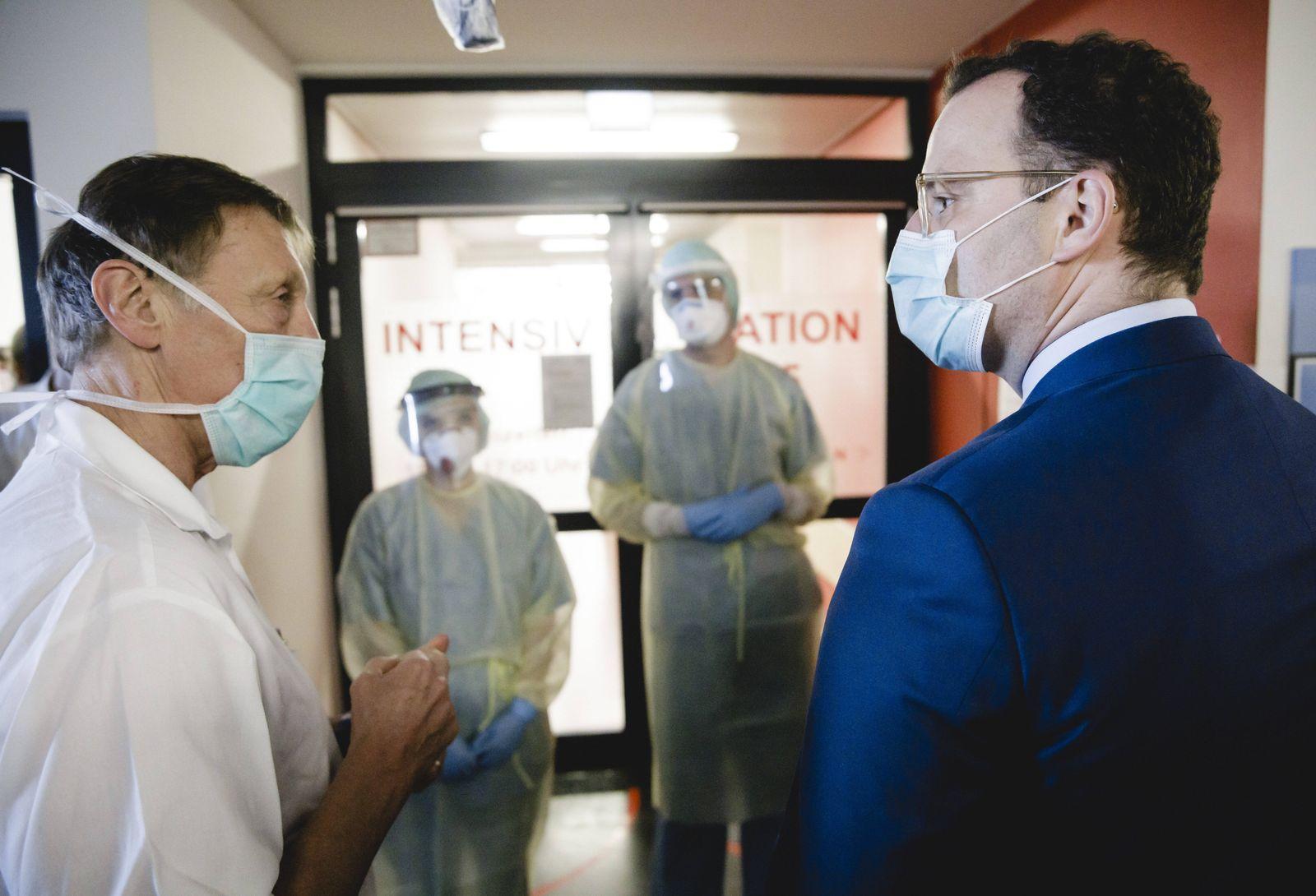 Bundesgesundheitsminister Jens Spahn (CDU) im Rahmen eines Besuchs der Universitaetsklinik Giessen am 14.04.2020. Giess